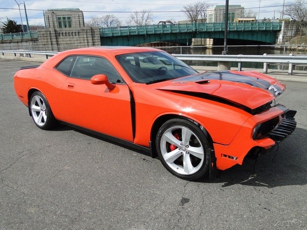 Wrecked Cars For Sale >> 2009 Dodge Challenger SRT8 Repairable Rebuilder for sale