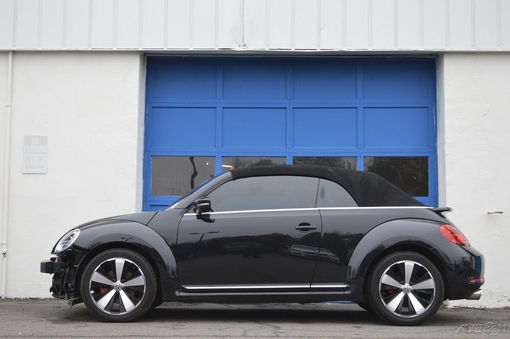 2013 Volkswagen Beetle Classic 2.0T Turbo Convertible Rebuildable Salvage for sale