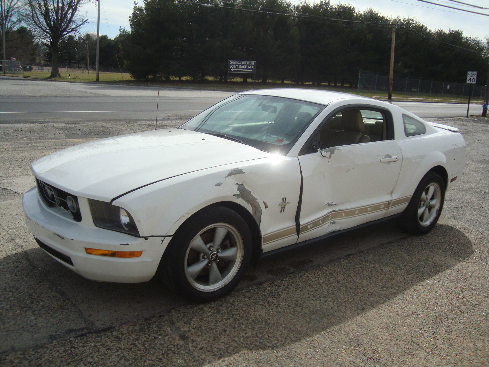 2007 ford mustang v6 shaker500 salvage rebuildable for sale. Black Bedroom Furniture Sets. Home Design Ideas