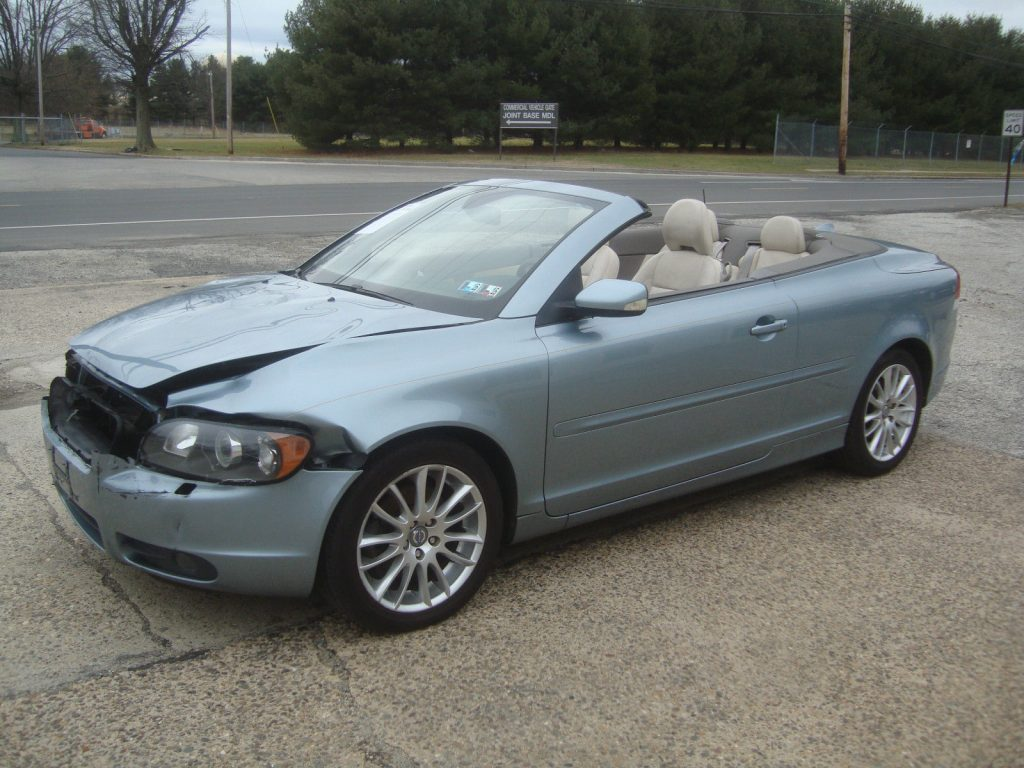 lightly damaged 2007 volvo c70 convertible rebuildable. Black Bedroom Furniture Sets. Home Design Ideas