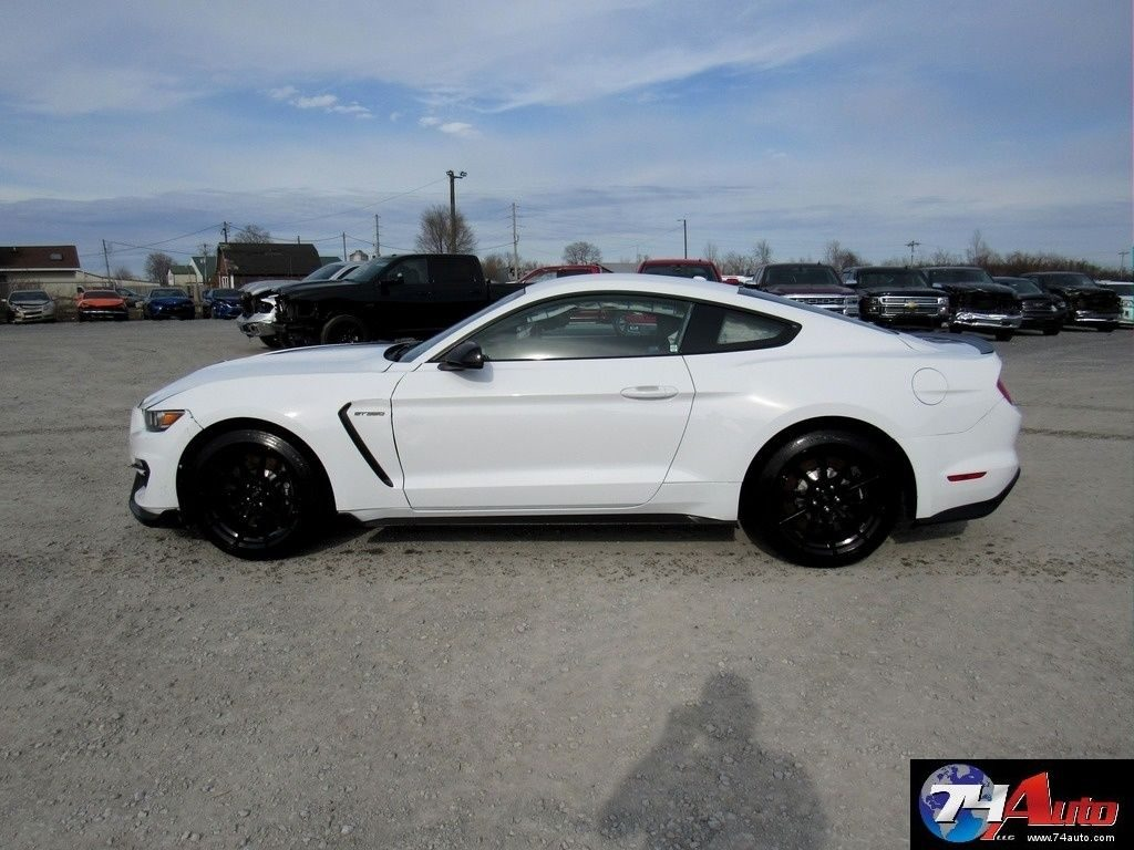 Very light damage 2016 Ford Mustang repairable wrecked