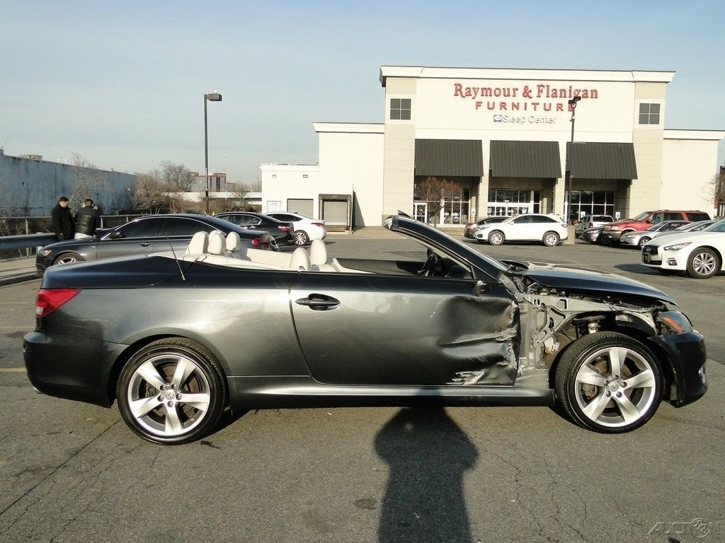 Wrecked 2010 Lexus IS C Convertible repairable rebuildable