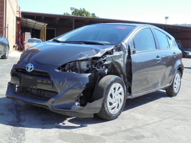 Lightly damaged 2016 Toyota Prius c rebuildable repairable