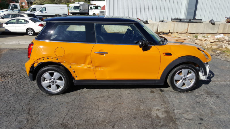 Removed airbags 2014 Mini Cooper repairable