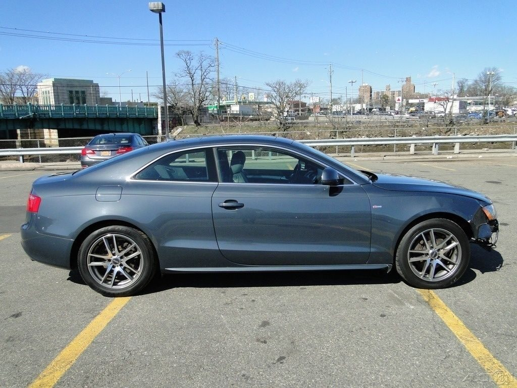 Equipped 2009 Audi A5 S Line Quattro AWD Coupe 6M repairable
