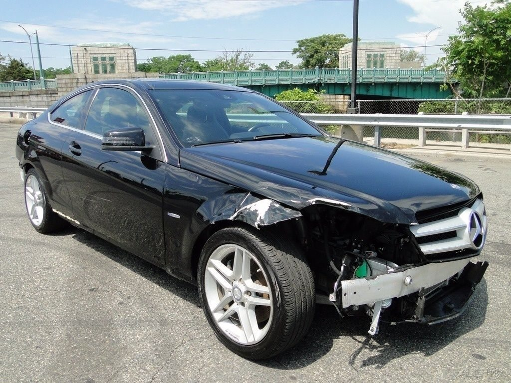 needs bumpers 2012 mercedes benz c class c 350 repairable for sale. Black Bedroom Furniture Sets. Home Design Ideas