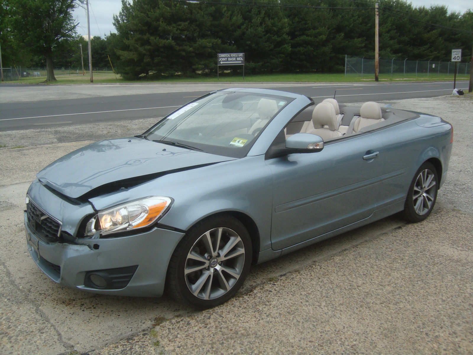 starts and drives 2011 volvo c70 t5 convertible. Black Bedroom Furniture Sets. Home Design Ideas