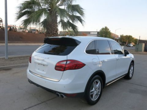 front damage 2013 Porsche Cayenne Turbo repairable for sale