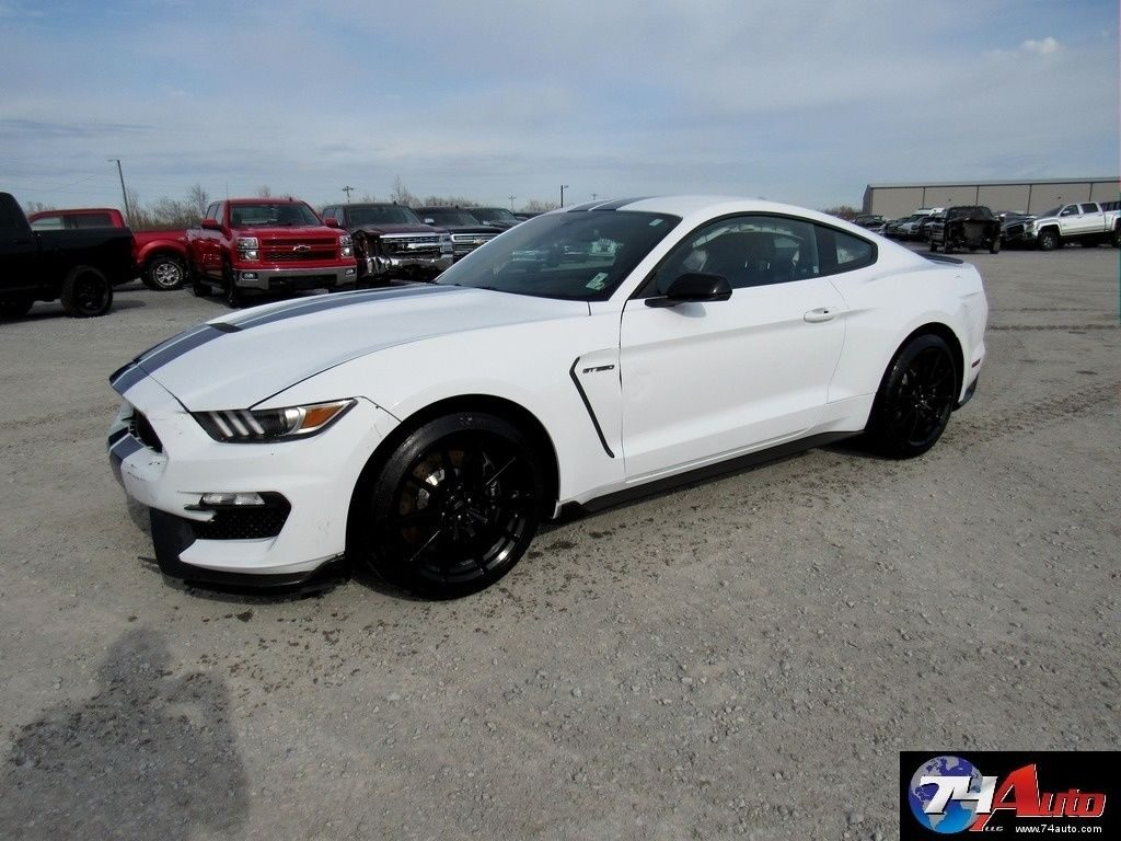 hard to find 2016 Ford Mustang Repairable