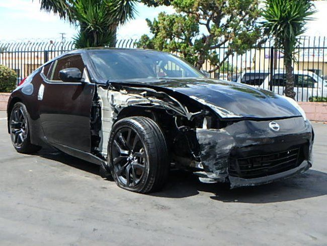 Low miles 2016 Nissan 370Z Coupe repairable