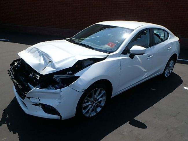 front hit 2017 Mazda Mazda3 i Touring repairable