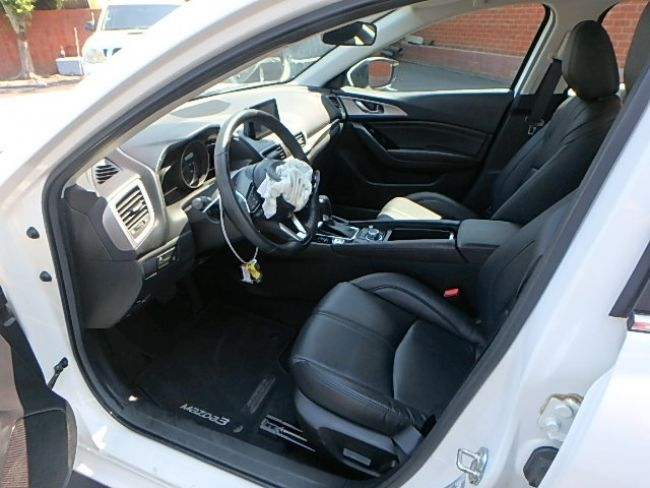 front hit 2017 Mazda Mazda3 i Touring repairable