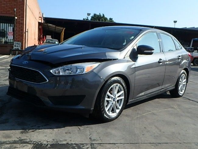 nice project 2017 Ford Focus SE Sedan repairable