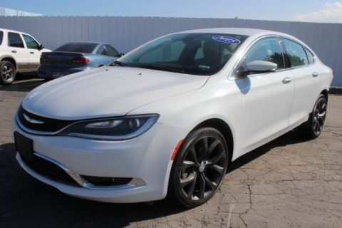 gas saver 2015 Chrysler 200 Series C repairable for sale
