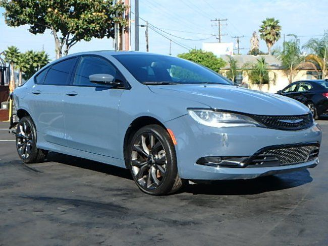 nice color 2015 Chrysler 200 Series S repairable
