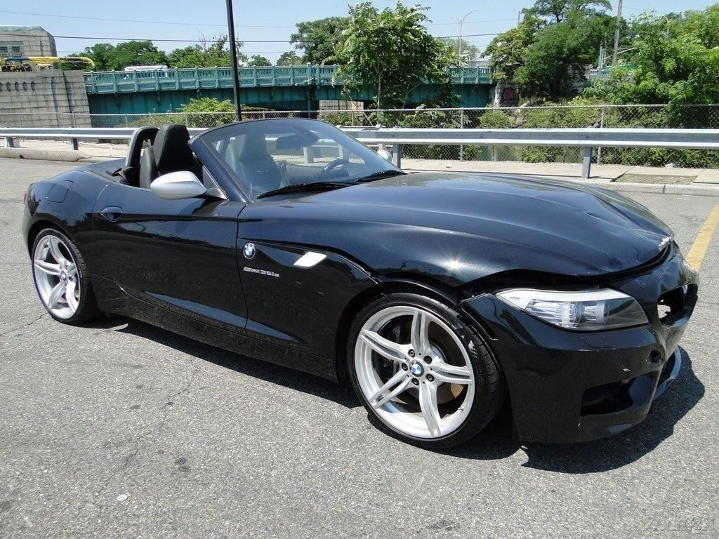 fast 2011 BMW Z4 sDrive35is repairable