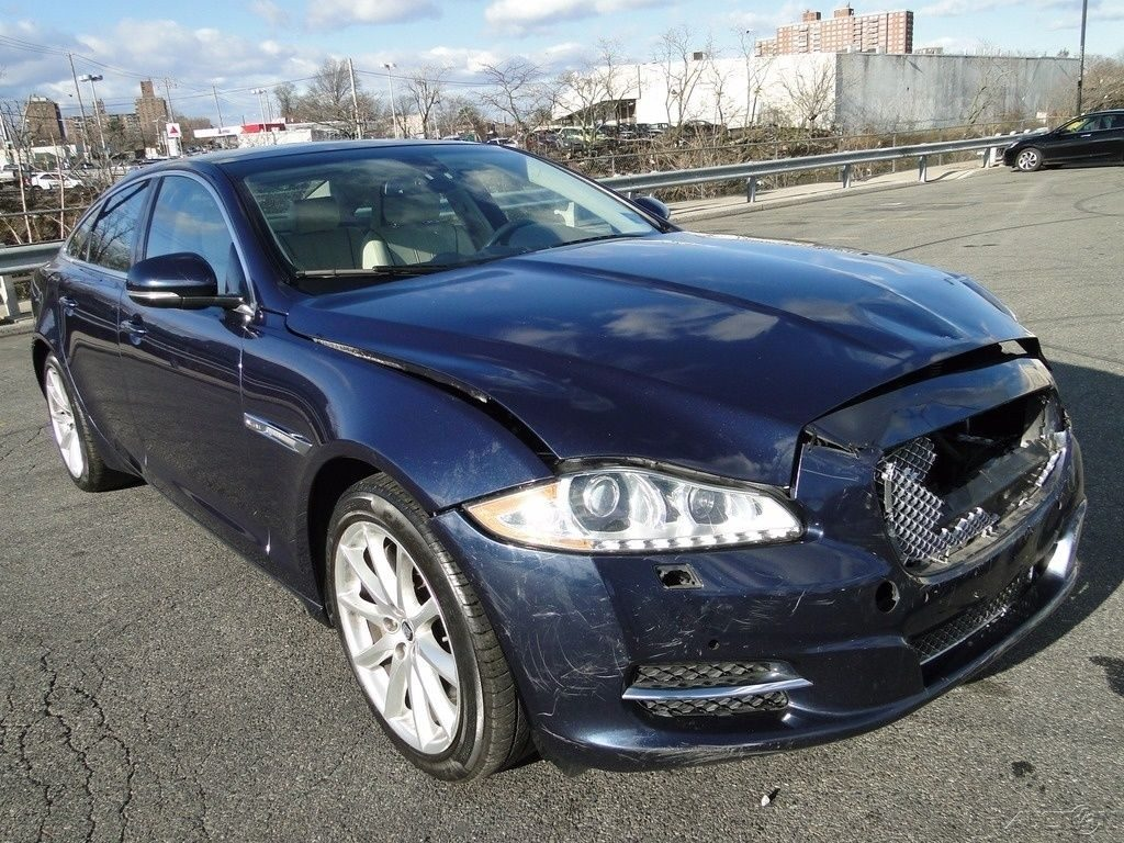 light damage 2011 Jaguar XJ repairable