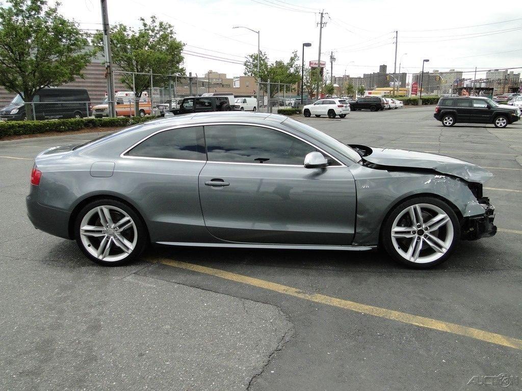 loaded 2012 Audi S5 4.2 Premium Plus repairable