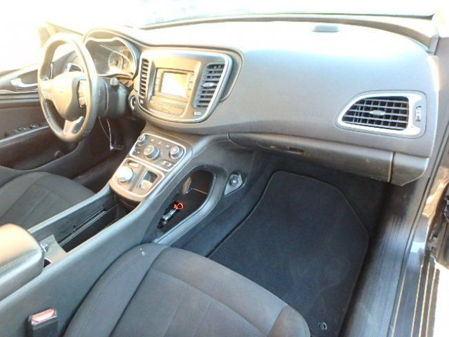 economical 2015 Chrysler 200 Series Limited repairable
