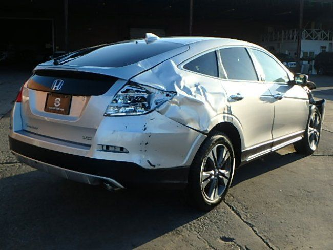 very low miles 2015 Honda Crosstour EX Repairable