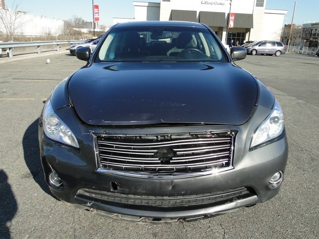 very light damage 2014 Infiniti Q70 3.7 repairable