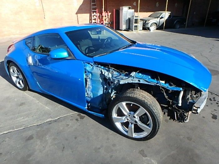 great color 2011 Nissan 370Z 370Z Coupe Repairable