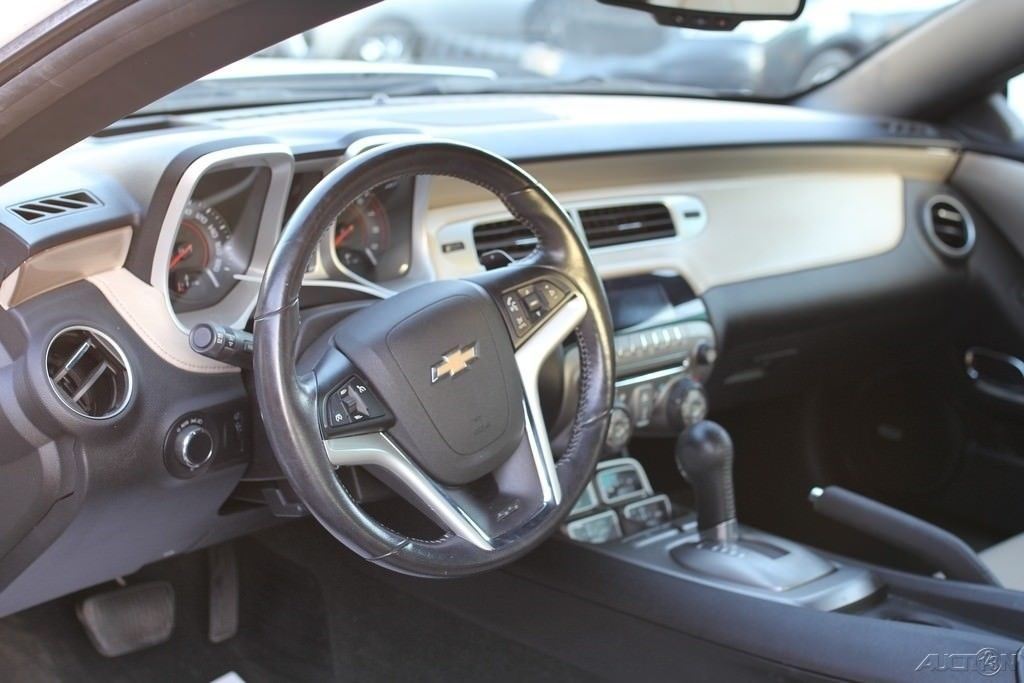 light damage 2012 Chevrolet Camaro SS 2dr Convertible Repairable