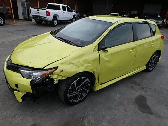 low miles 2017 Toyota Corolla Damaged Wrecked Repairable