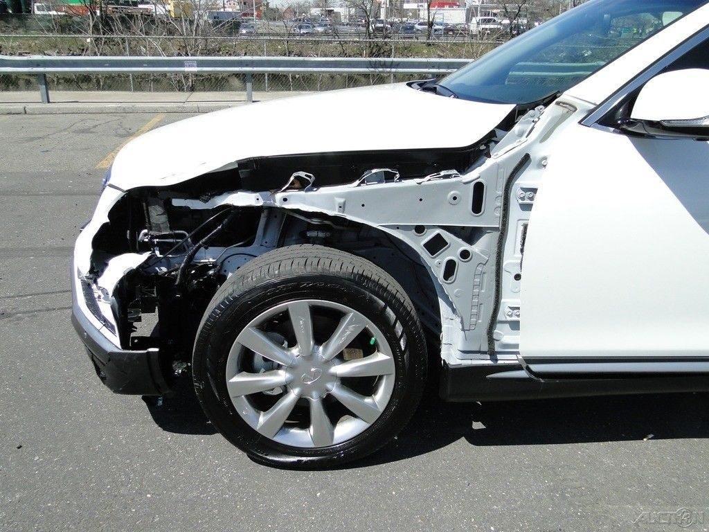 almost unused 2017 Infiniti QX50 3.7L V6 repairable