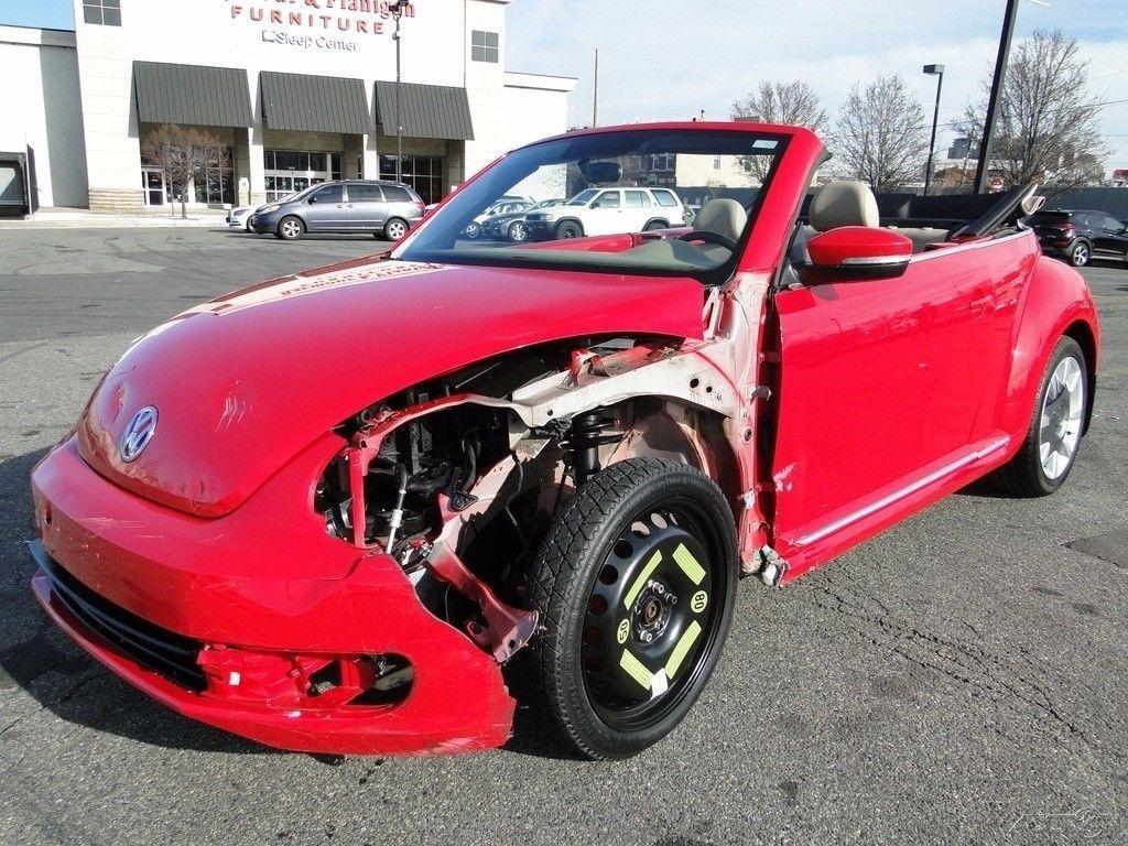 low miles 2013 Volkswagen Beetle Classic 2.5L Repairable