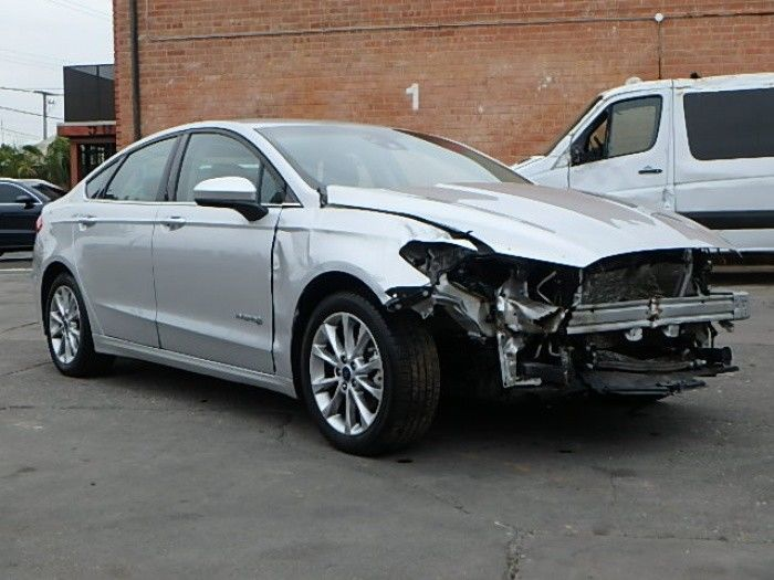 low miles 2017 Ford Fusion Hybrid SE Repairable