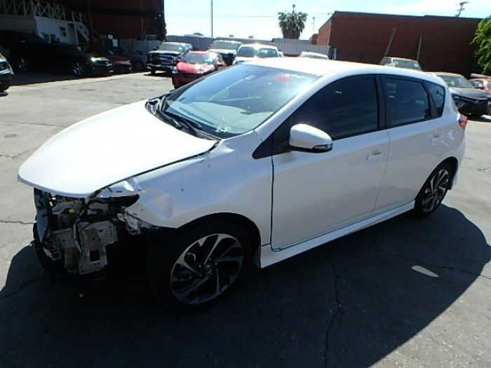 almost unused 2018 Toyota Corolla Hatchback repairable