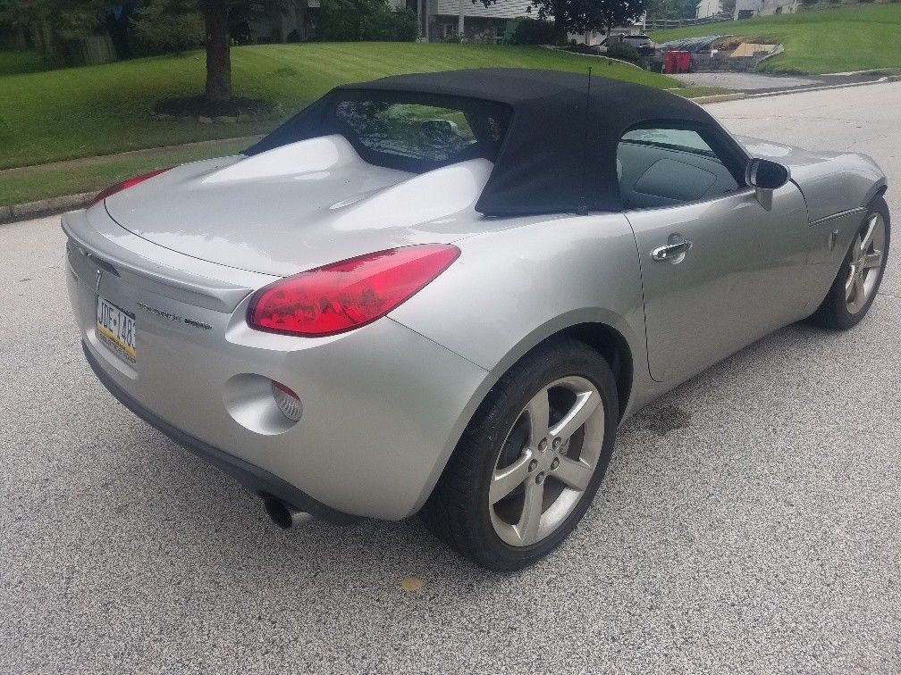 low mileage 2007 Pontiac Solstice repairable