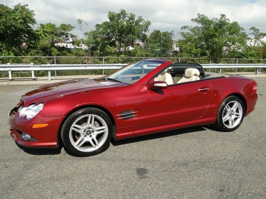luxurious 2007 Mercedes Benz SL Class SL550 repairable
