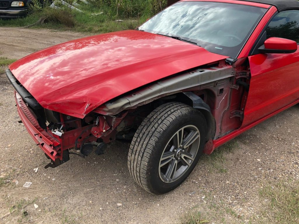 easy fix 2013 Ford Mustang repairable