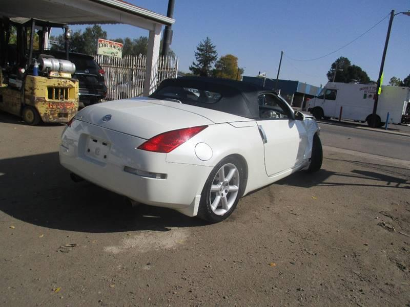 low mileage 2005 Nissan 350Z Touring repairable