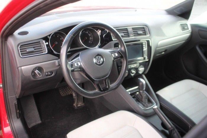 low miles 2016 Volkswagen Jetta SE Repairable