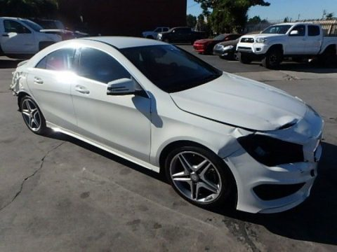 well equipped 2014 Mercedes Benz CLA250 repairable for sale