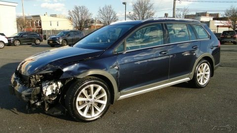 low miles 2017 Volkswagen Golf Alltrack repairable for sale