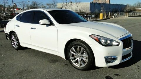 luxurious 2015 Infiniti Q70 repairable for sale