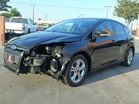 well equipped 2013 Ford Focus SE repairable for sale