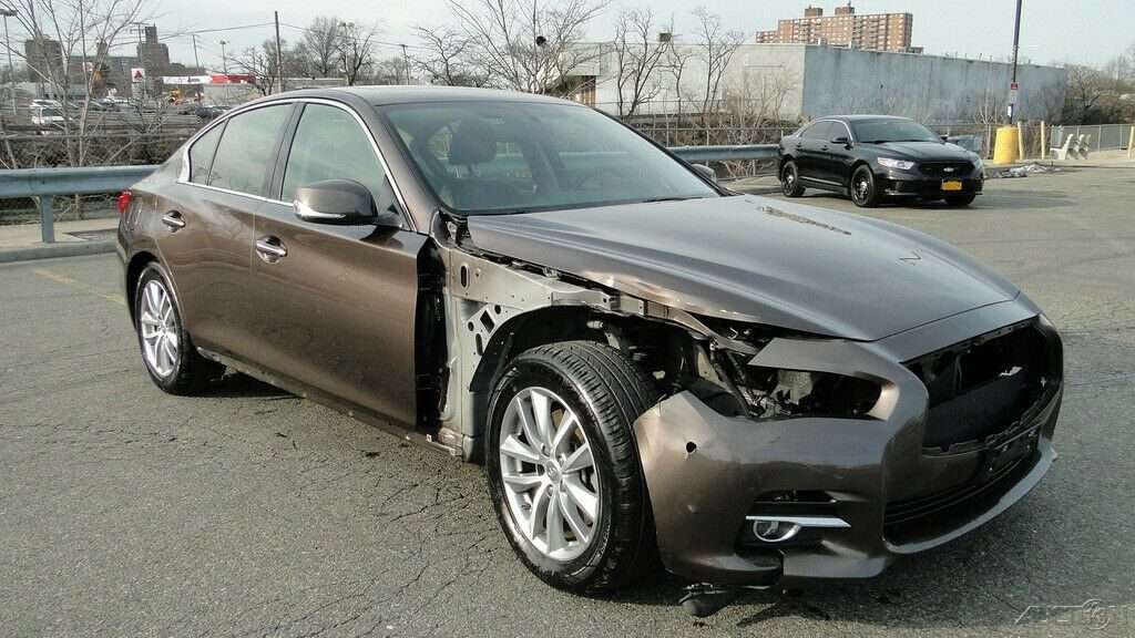 easy repair 2015 Infiniti Q50 Premium repairable