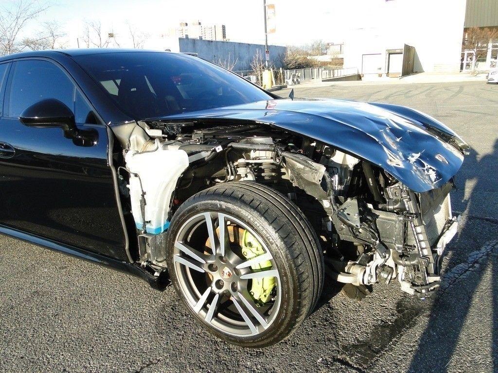 low miles 2014 Porsche Panamera repairable