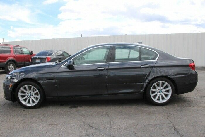 light damage 2014 BMW 5 Series 535i repairable