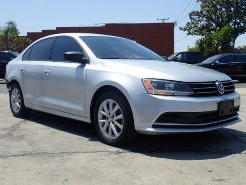 light damage 2015 Volkswagen Jetta SE repairable for sale