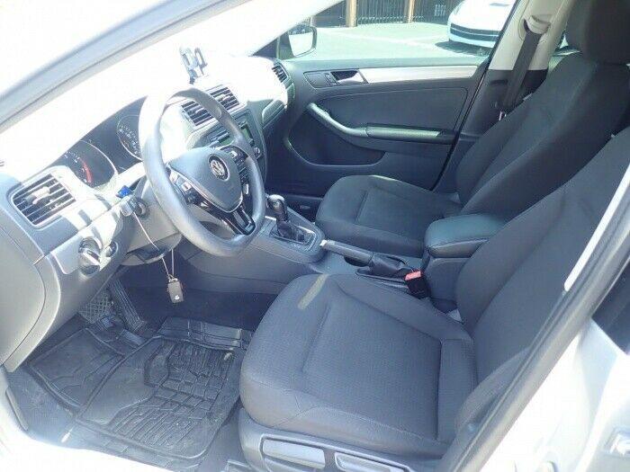 light damage 2015 Volkswagen Jetta SE repairable