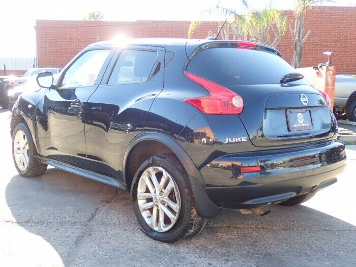 low miles 2013 Nissan Juke SV repairable