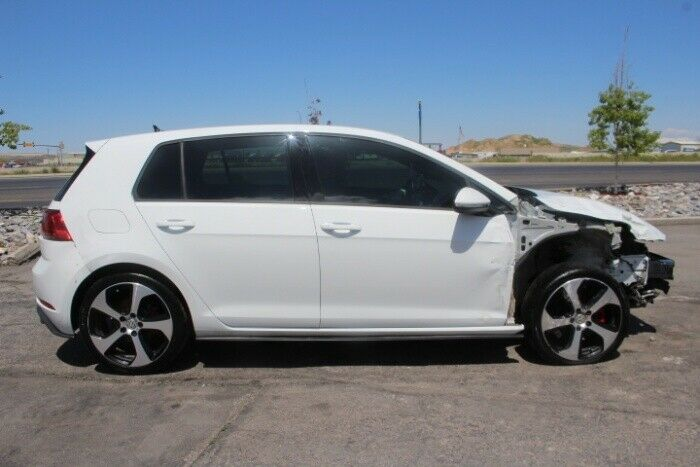 low miles 2018 Volkswagen Golf SE repairable