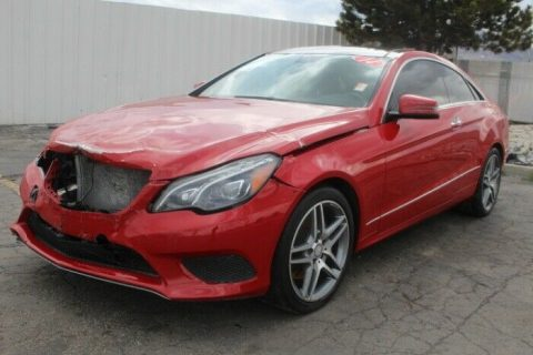 luxurious 2014 Mercedes Benz E Class E350 4MATIC repairable for sale