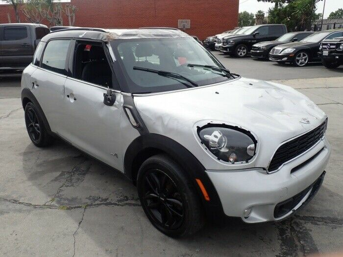 well optioned 2014 Mini Cooper Countryman S AWD repairable